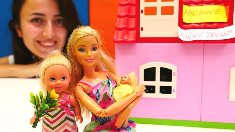 Barbie hastanede Steffi abla olmuş Evcilik oyunu