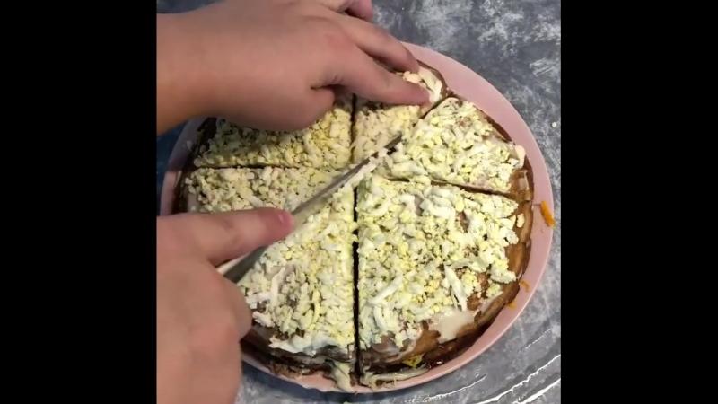Закусочный блинный тортик (ингредиенты в описании видео) » Freewka.com - Смотреть онлайн в хорощем качестве