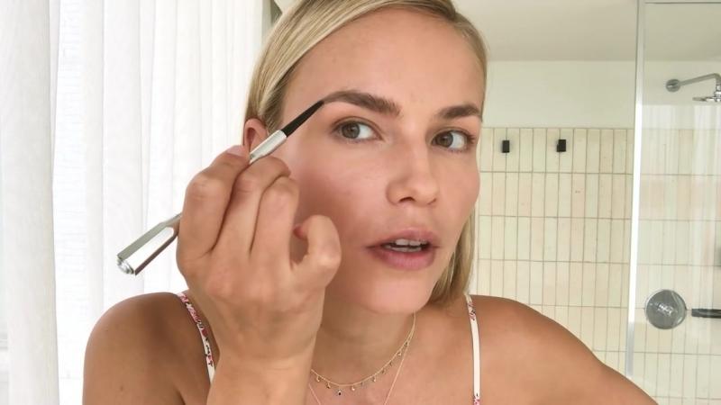 Supermodel Natasha Polys 3-Step Perfect Cat-Eye _ Beauty Secrets _ Vogue