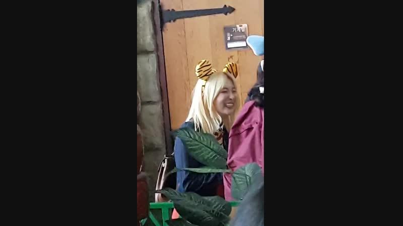 181024 Seulgi Filming Pajama Friends at Lotte World