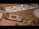 Полная сборка Ugears локомотива ускоренная в 500 раз