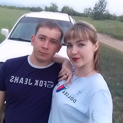 Роман Названов