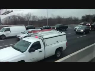 Watch Drivers Grab Money Off N.J. Highway As Brink Truck Spills Cash On Route 3 NBC News