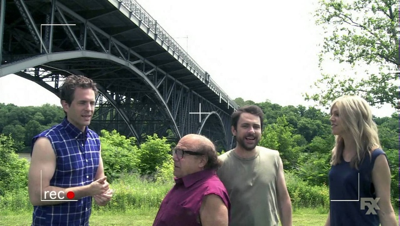 It's Always Sunny in Philadelphia - Project Badass: The Jump from the Bridge
