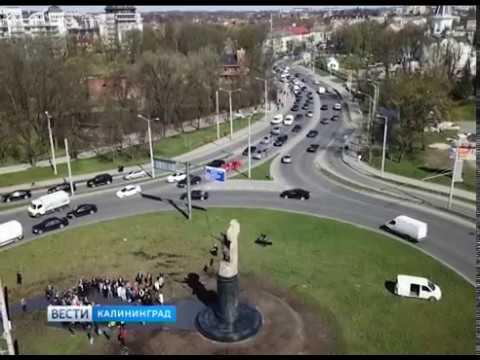Алиханов о столбах вокруг памятника Невскому «Будет повод, чтобы эту сеть убрать под землю»