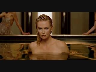 Шарлиз терон (charlize theron) в рекламе парфюма dior j'adore (2018) голая? секси!