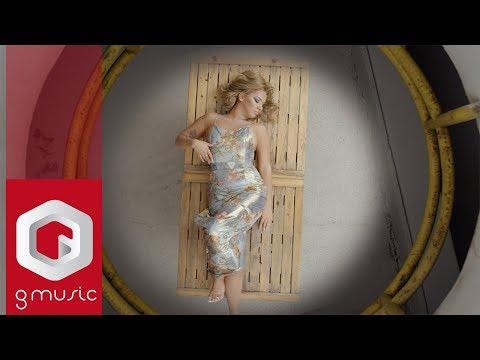 Tringa Kay - Tradhtar je ti (Official Video) | Gmusic