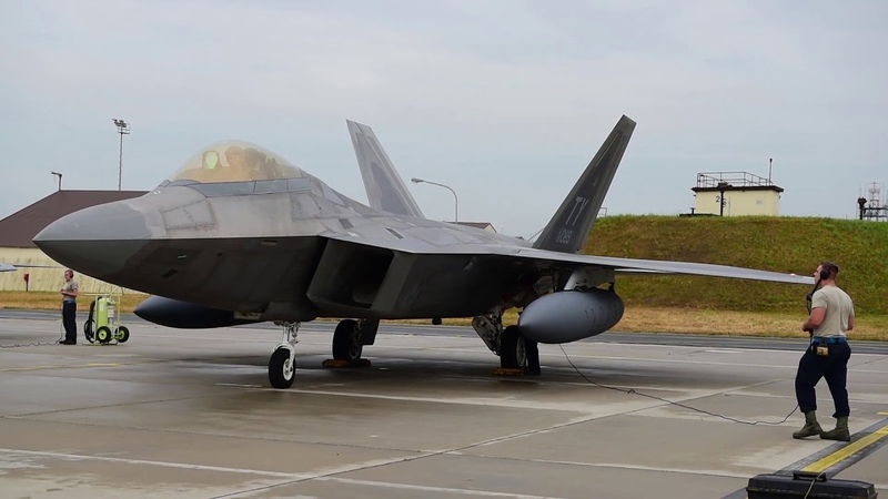 F 22 прибыли в Германию из США/F 22 arrived in Germany from USA