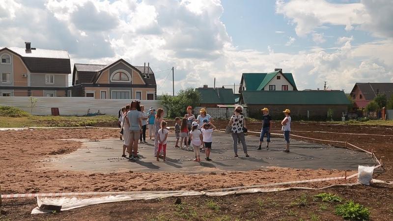 UTV. Жители Дёмы не смогли выиграть деньги на новый сквер и пока его строят сами