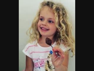 #nutella #nutellago #nutellalove #chocolate #hazelnut #avelã #sweet #cocoa #sweets #girls #meninas #daughters #filhas #love #lif