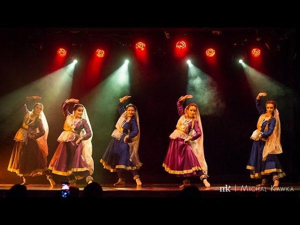 Mohe Rang Do Laal - Chameli Group