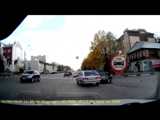 Авария на перекрестке ул. Я. Гарелина и пр. Ленина
