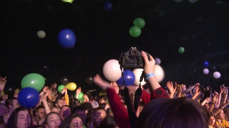 ПИЛОТ - СУМАСШЕДШИМ ЖИТЬ ЛЕГКО (LIVE, «Двадцатничек!» в Юбилейном 11.02.17)