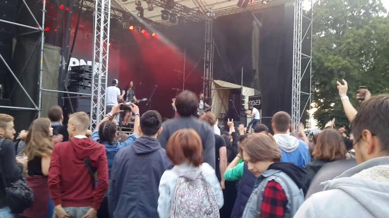 Karna Карна Ті що танцюють на голові Atlas Weekend Live fan video East stage Kyiv 3 07 2018