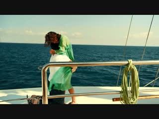 Помощник капитана трахнул на палубе, фильмы участием анны