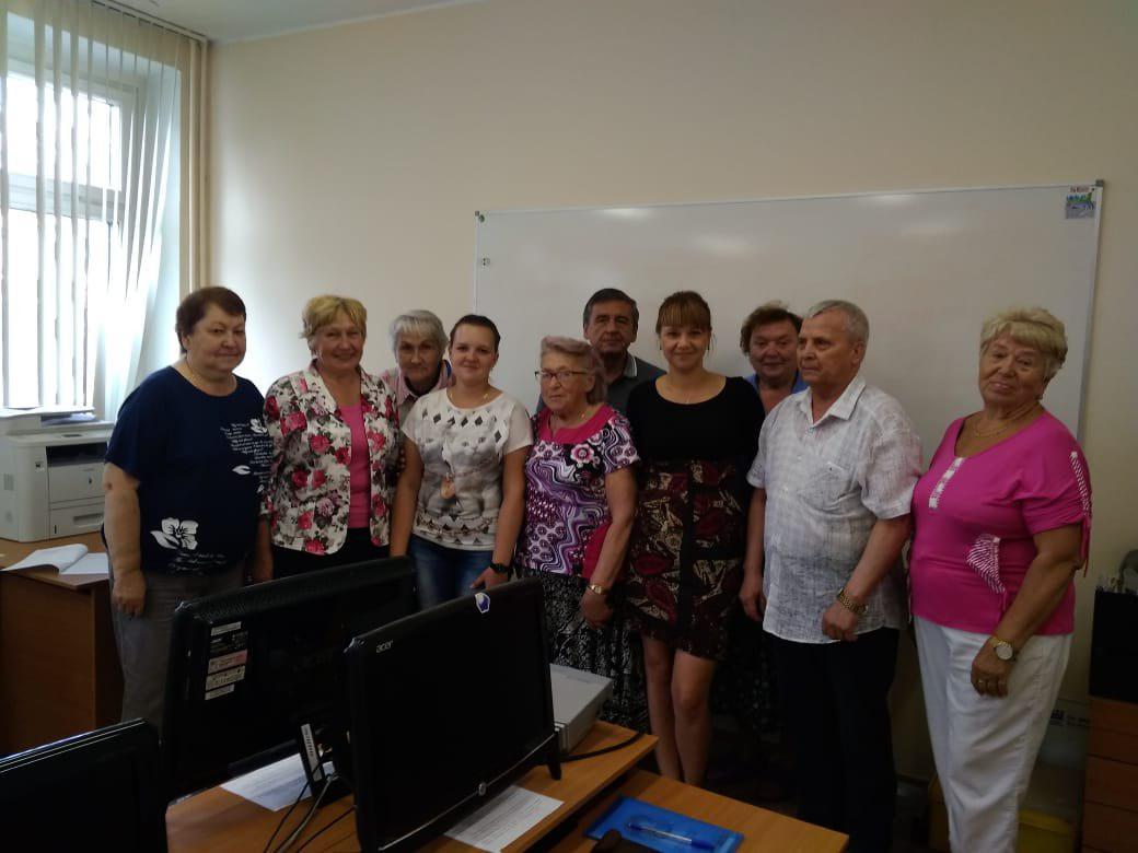 Пенсионеров из Бибирева научили работе в текстовом редакторе