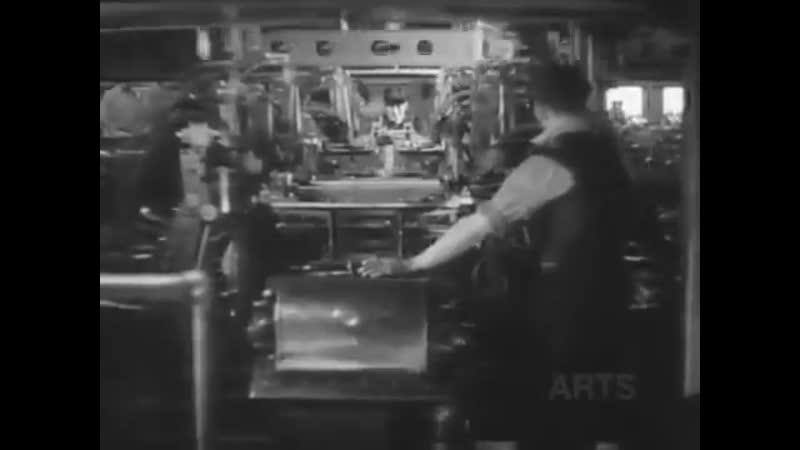 1936 год конвейер на заводе Chevrolet штат Мичиган. Гадкий капитализм. Примерно в это время с 1936 по 1937 в СССР строили светло