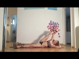 sasha-blond-eroticheskaya-gimnastika-domashka-s-finalom-vnutr