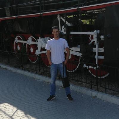 Денис Кожухов