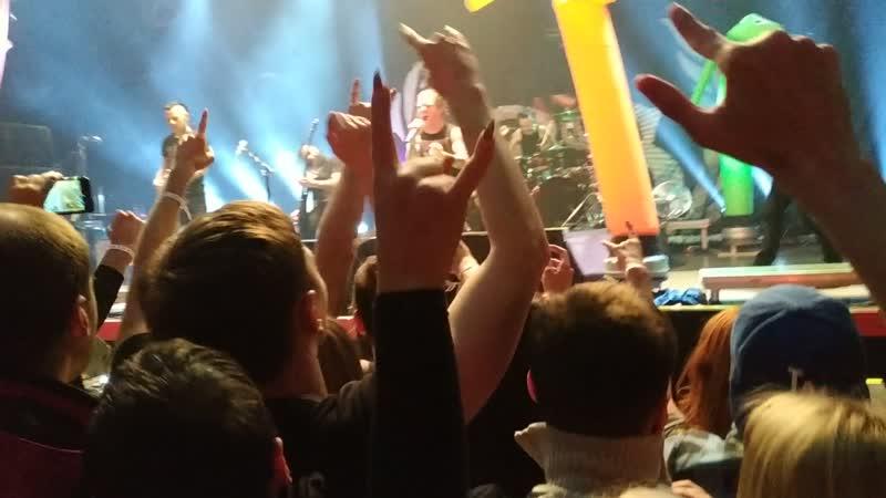 Финальная песня с концерта Stone Sour в Ростове - Fabuless