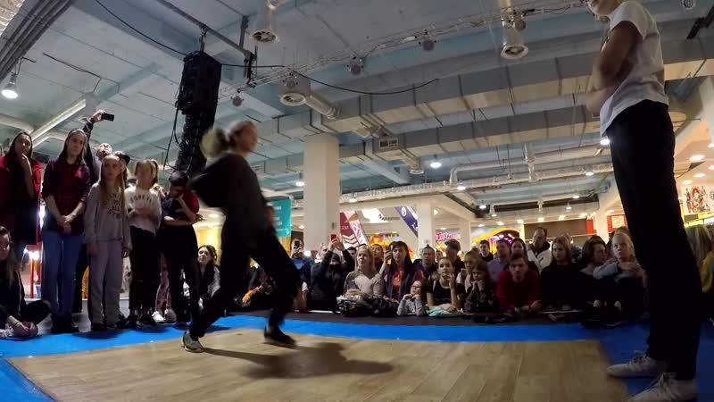 Еремеева Мария vs Неизвестно Хип хоп 2 круг Kids Battle г Самара 2018