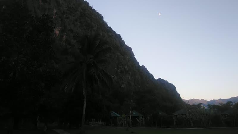 Монастырь недалеко от границы с Бирмой