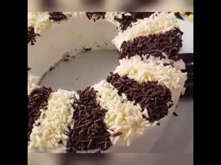 Торт бисквитный со сливками
