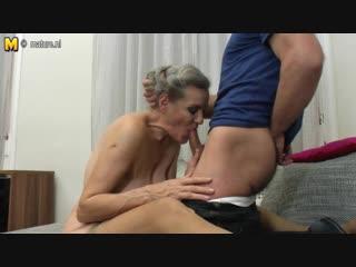 Lesbian порно мать трахает дочь