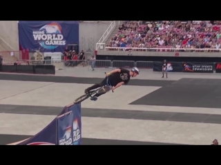 [BMX] Ryan Williams does 1080 front flip