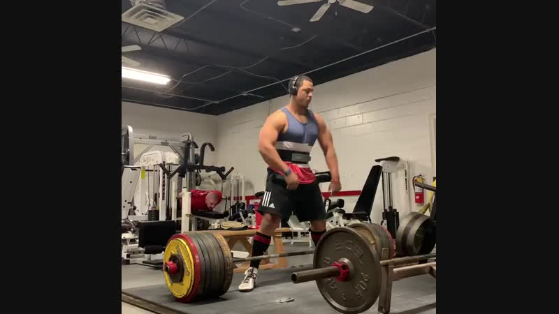Джамал Браунер из США тяга на тренировке 400 кг в весовой до 110 кг