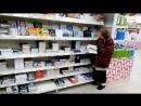 У бабушки нет денег купить книги, посмотри что сделало руководство магазина!