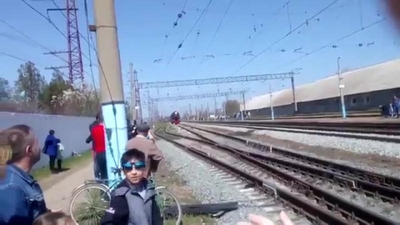 Крутой поезд с военными на 9 мая
