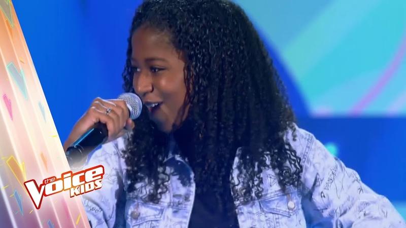 Carol Roberto canta Água de Beber na Audição – The Voice Kids Brasil   4ª Temporada