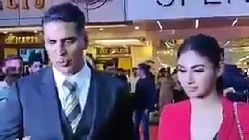 Акшай Кумар и Муни Рой продвигают Gold