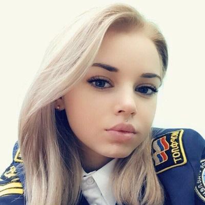Вика Котлова