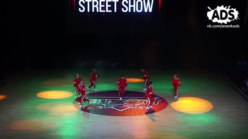 ANANKO DANCE SCHOOL_Bizon 2018_moms in red
