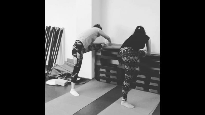 Stretching Тянем продольный шпагат