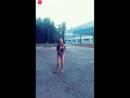Эта девочка танцует