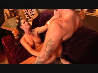 Молодой развлекатеся со зрелой мамкой (India Summer, Small Tits, мама, сын, инцест, incest, blowjob, mom, milf, )