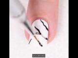 Дизайн с мраморным ноготком