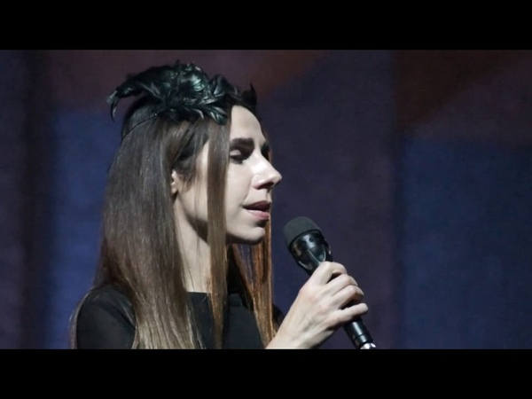 P.J. Harvey - Written on the forehead (Firenze, ObiHall, October 24th 2016)