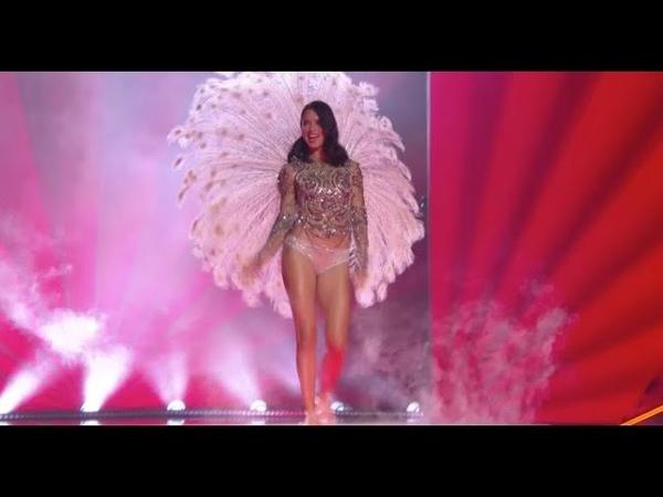 Adriana Lima thanks crowd at final Victorias Secret show