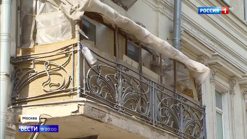 Балконный креатив: москвичи меняют облик собственных жилищ, нарушая закон и возмущая соседей
