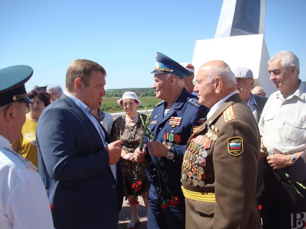 В Рязанской области ветераны познакомились с историей возникновения города-крепости