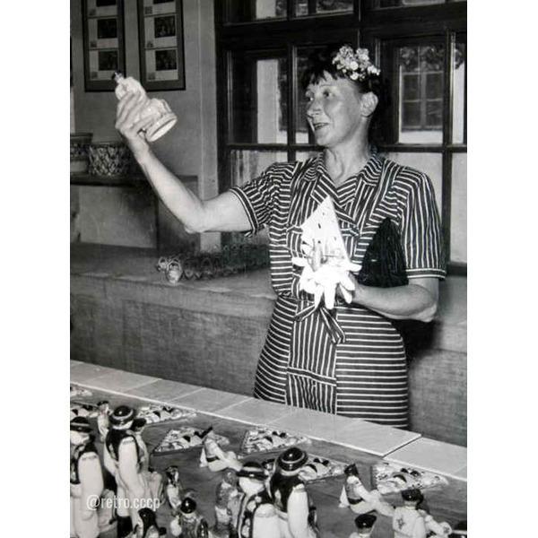 Советские актеры - фронтовики: Рина Зелёная Ваш любимый фильм с этой замечательной актрисой Далее ее 10 фото в детстве и юности .Спасибо за и подписк!.Екатерина Зеленая (настоящее имя актрисы,