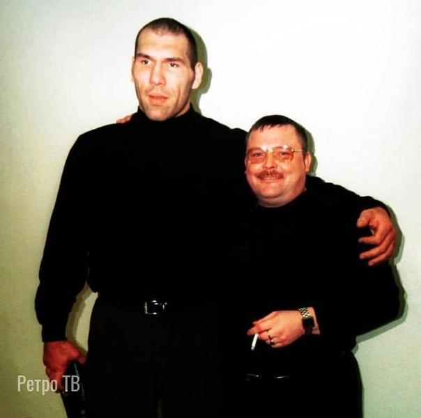 Валуев и Круг.  У Валуева барсетка