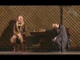 Борис Плотников (Собакевич) и Сергей Безруков (Чичиков) в спектакле