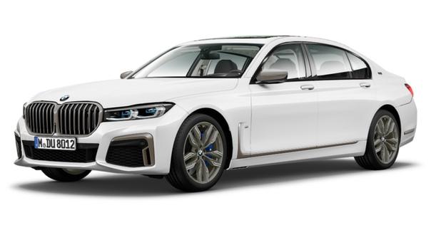 Обновленная «семерка» BMW: Плохенькие снимки, сделанные украдкой на закрытой презентации рестайлингового седана BMW седьмой серии, уже проскакивали в соцсетях, но энтузиасты с сайта Bimmerpost