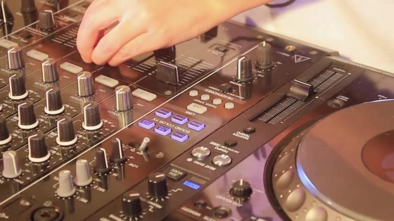 Rozz - Mixing on 4 CDJs Vol 2