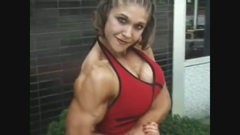 Kim Kilper - Mixed Armwrestling (Right Arm) Flexing Biceps